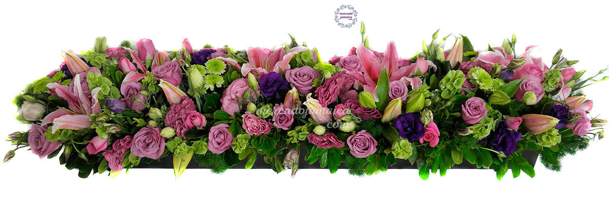 Arreglo con rosas y lisianthus